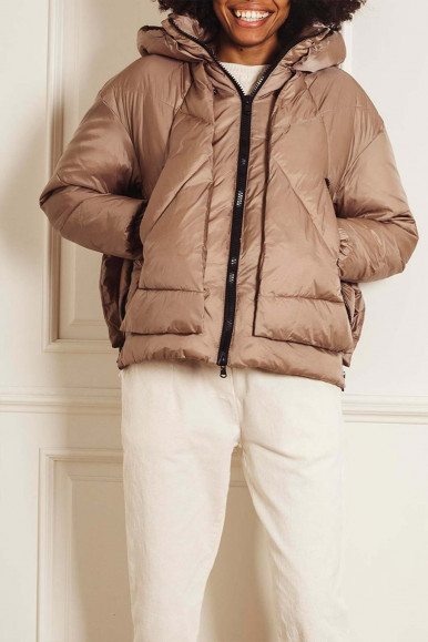 CHAMPAGNE SHORT WOMAN'S CANADIAN EUGENIE JACKET